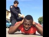 когда ты просишь офицера не испортить тебе новые Джорданы
