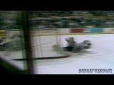 ЖЕСТЬ!!! Опасная игра: в 1989 году во время борьбы за шайбу, голкиперу Клинту Маларчуку перерезало горло коньком про