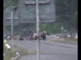 Блок пост Рубежное Укр армия ростреливоют машину 22.05.14 время  19:14