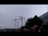 Еще один прыжок солиста Hollywood Undead в толпу :D Park Live 2014